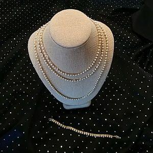 4 piece pearl & gold chain bracelet & necklace set